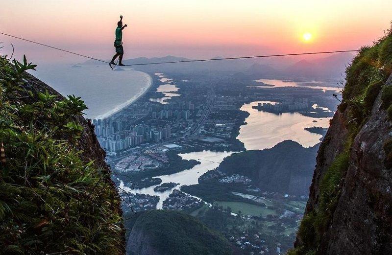 Снимки были сделаны на закате и восходе солнца, когда нет толпы  Педра-да-Гавеа, Слэклайн, бразилия, путешествие, стропа, стропоходец, фотомир