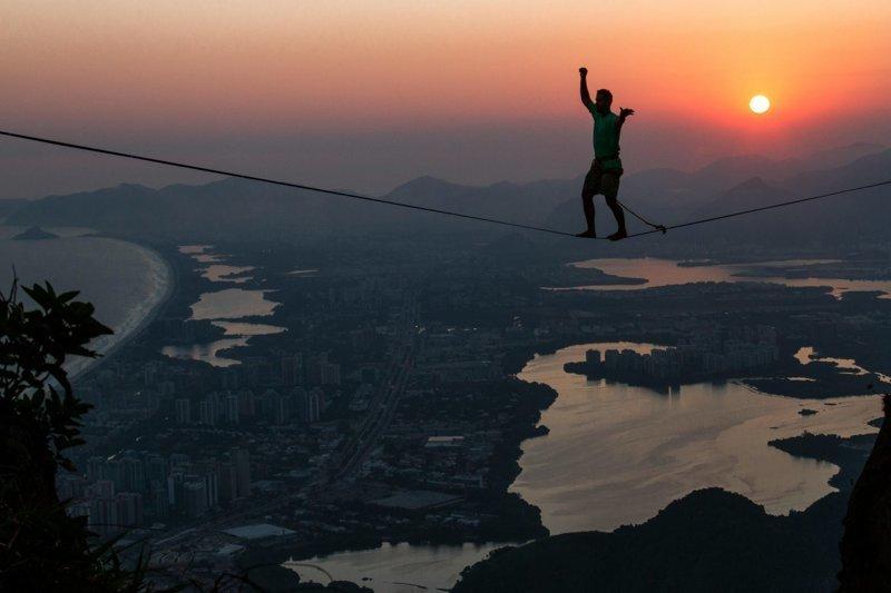 Храбрые стропоходцы попали в объектив бразильского фотографа Рафаэла Моура Педра-да-Гавеа, Слэклайн, бразилия, путешествие, стропа, стропоходец, фотомир