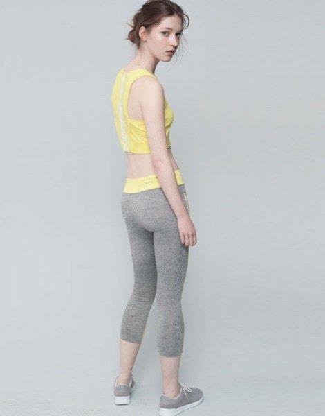 Одежда для фитнеса. Вы купите товар на такой модели? Или все равно, главное не как преподносят. а что? Может быть, но... здоровые, мода, некрасиво, осанка, сутулость