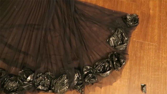 И вот что получается в итоге! в мире, люди, мусорный пакет, платье, своими руками, сделай сам
