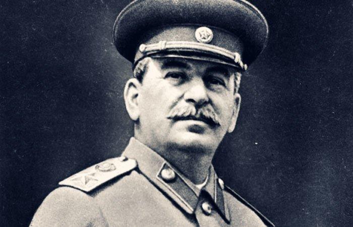 Сталин вышел на первое место в списке самых великих людей человечества народ, победитель, сталин