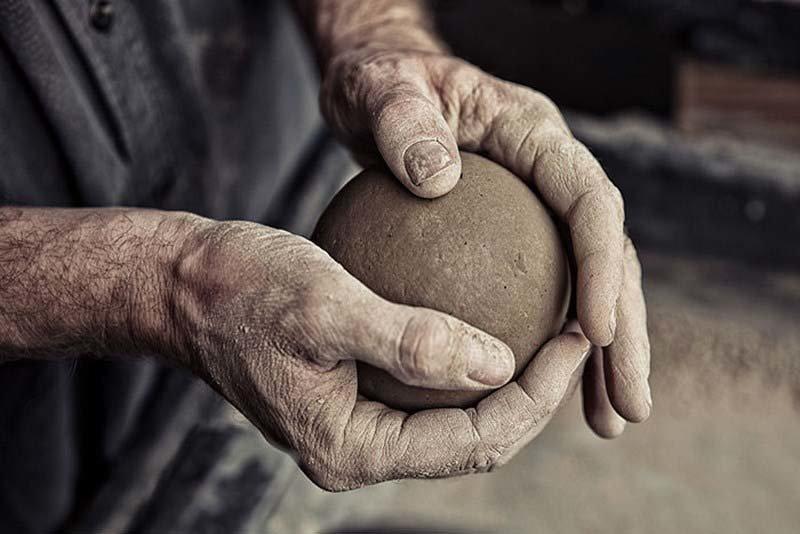 Именно в этот период доведения грудки земли до совершенства, люди расслабляются больше всего грязь, дороданго, развлечение, шары, япония