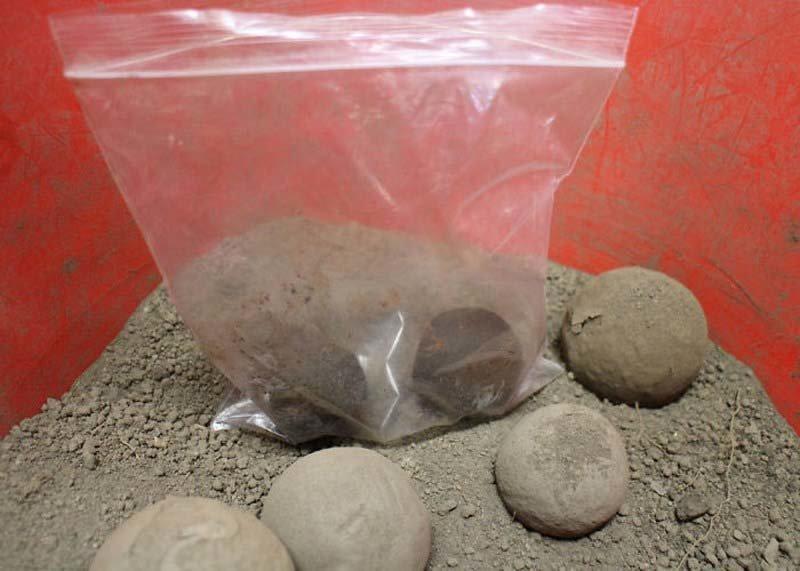 После шар около 20 минут высушивается в полиэтиленовом пакете грязь, дороданго, развлечение, шары, япония