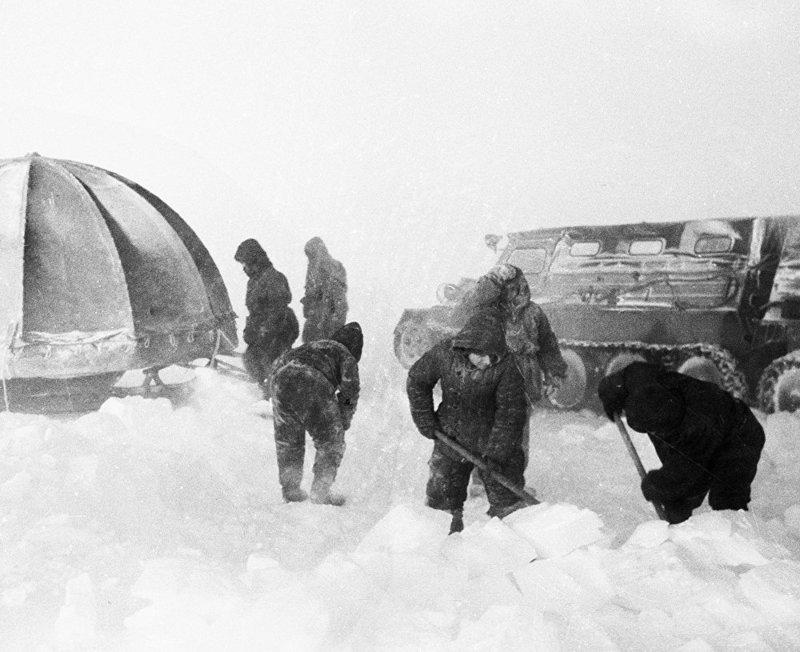 Единственный выход. Леонид Рогозов, антарктида, день в истории, интересное