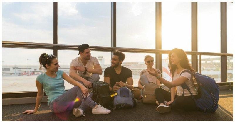 Пассажирам с билетами разрешили лежать на полу ynews, Минттранс, аэропорт, запрет, пассажиры, правила