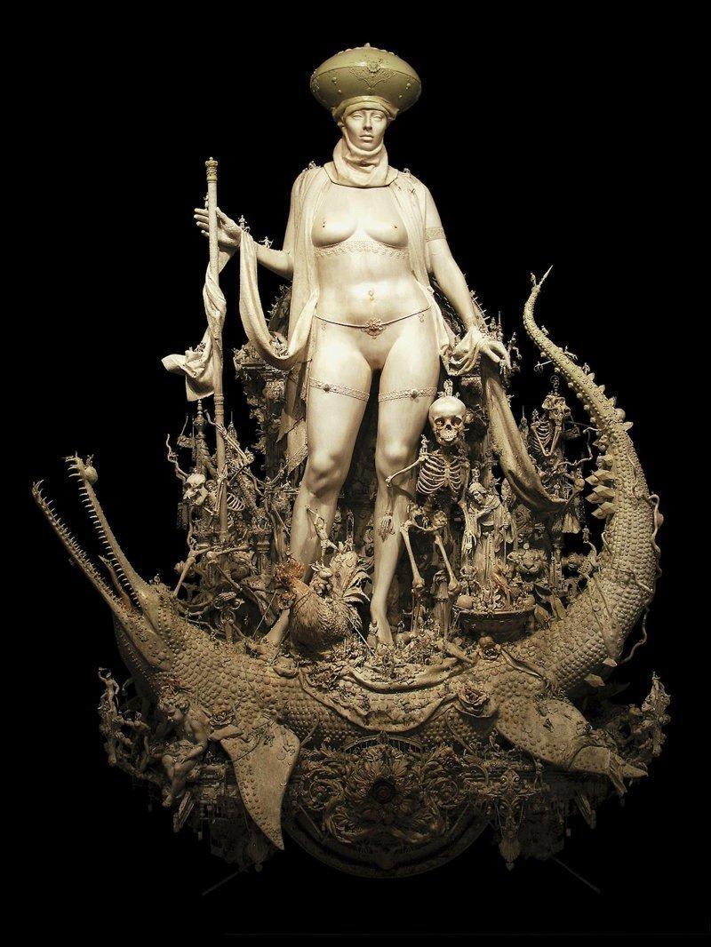 """""""Триумф"""" Крис Кукси, бог мелочей, из какого сора, искусство, подручные материалы, скульптура, статуи, творчество"""