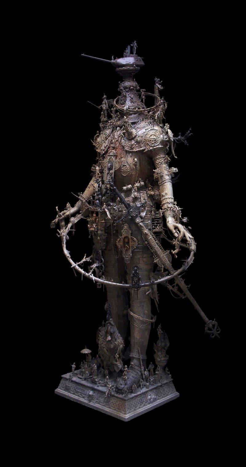 """""""Голова Фердинанда фон Говицера"""" Крис Кукси, бог мелочей, из какого сора, искусство, подручные материалы, скульптура, статуи, творчество"""