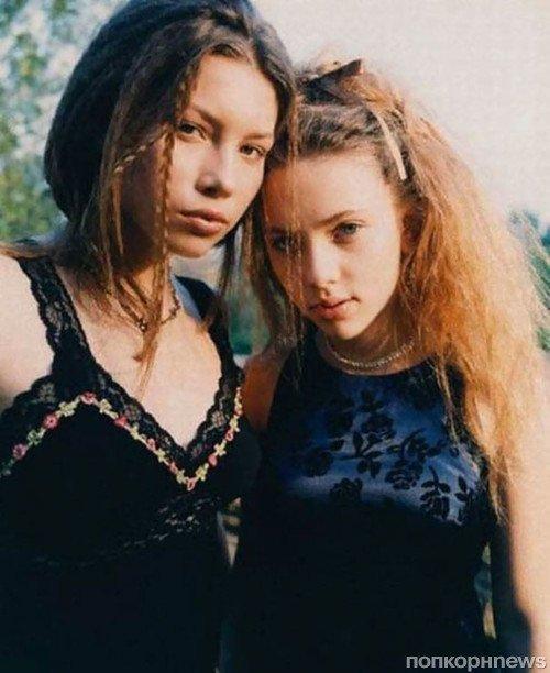 2. Джессика Бил и Скарлетт Йоханссон, 1998 год взросление, голливуд, детские фото, знаменитости, изменения