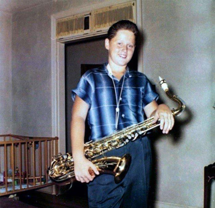 14. Билл Клинтон с саксофоном, 1958 год взросление, голливуд, детские фото, знаменитости, изменения