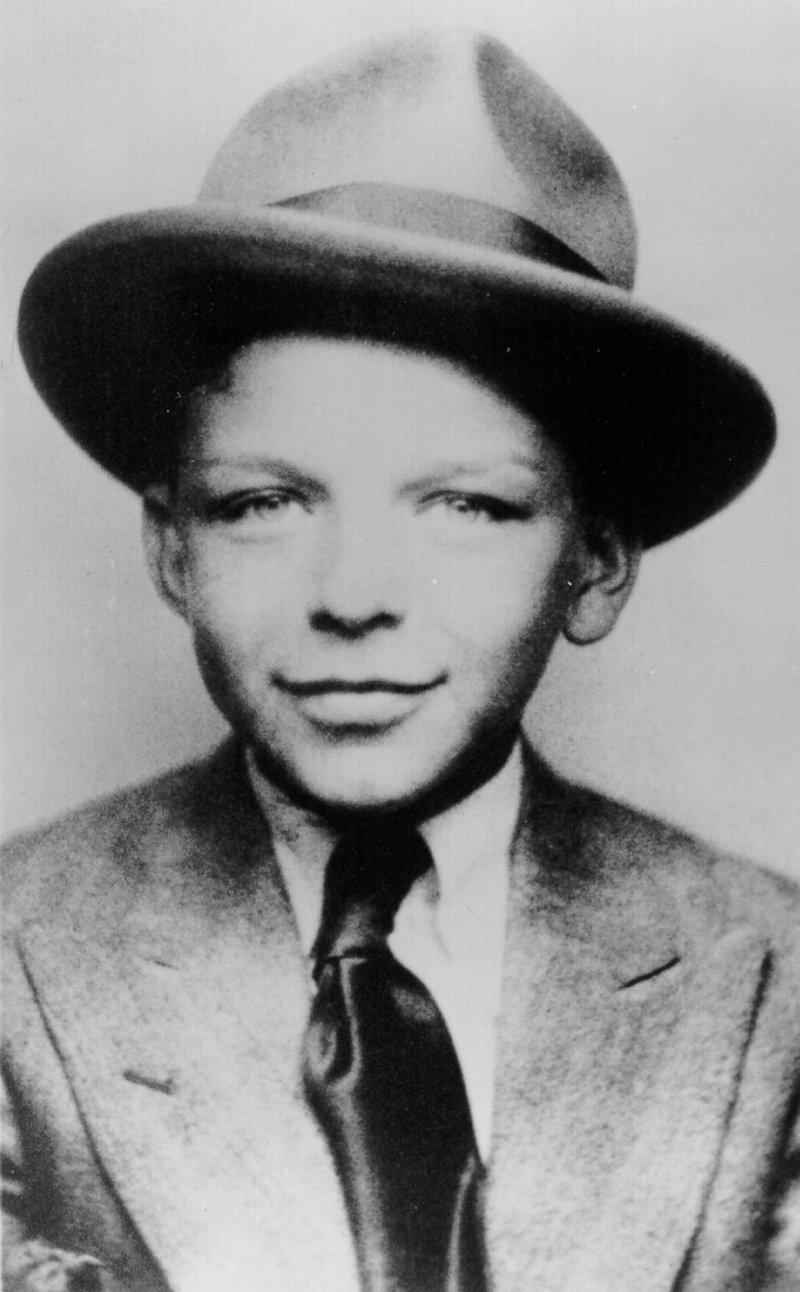 4. Фрэнк Синатра, 1922 год взросление, голливуд, детские фото, знаменитости, изменения
