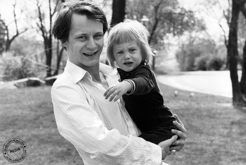 10. Стеллан Скарсгард и маленький Александр, 1978 год взросление, голливуд, детские фото, знаменитости, изменения
