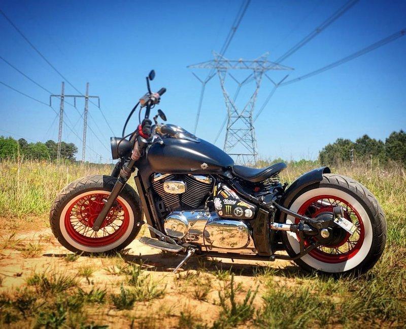 Бобберы часто путают с кафе-рейсерами, но последние — малокубатурные мотоциклы боббер, мото, мотоцикл, харлей, чоппер