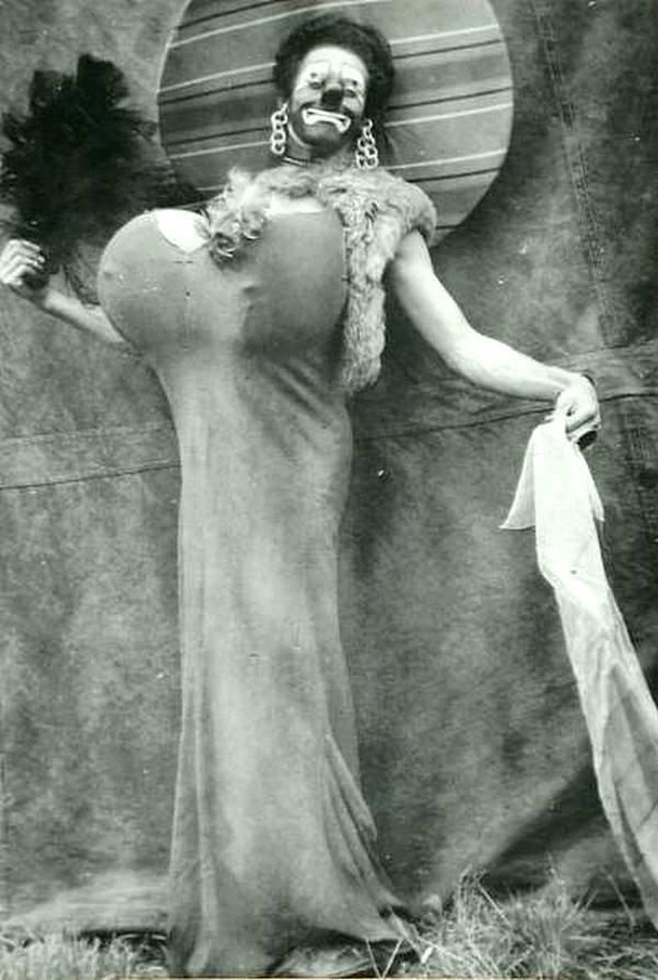 Неудачный клоун, 1920. история, черно-белая фотография, юмор