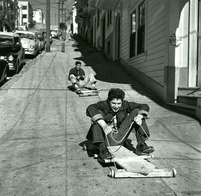 Самокатчики. 1952. Сан-Франциско, США. история, черно-белая фотография, юмор