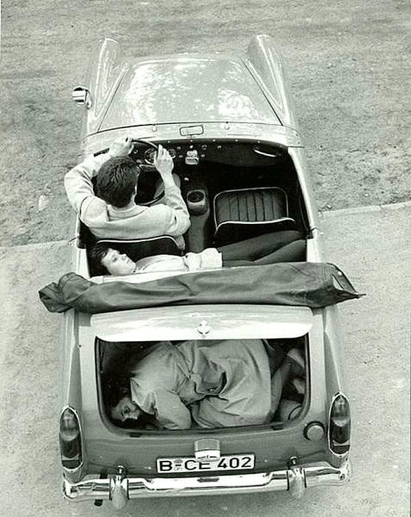 Побег из Восточного Берлина, 1963 год. история, черно-белая фотография, юмор