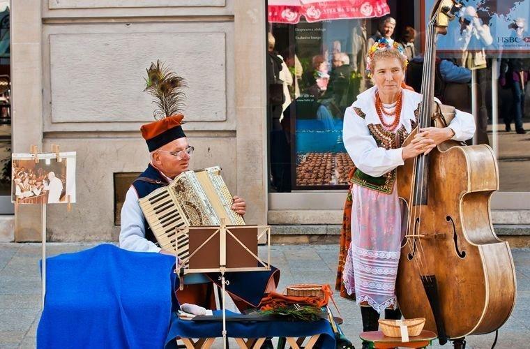 Разговаривать о деньгах Польша, закон, культура, обычаи, обычаи и традиции, путешествие, традиции, факты