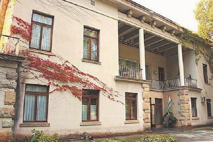 3. Дача Хрущева в Абхазии архитектура, дача, дом, недвижимость