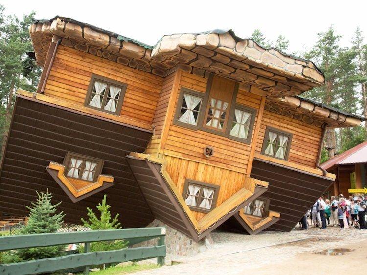 4. Перевернутый дом в Польше. Странные места, авто, города, интересно, музей, путешествие, путешествия