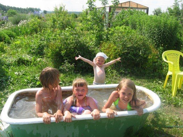 Без старой ванной никак Фабрика идей, бассейн, дача, душ, красота, лето, своими руками