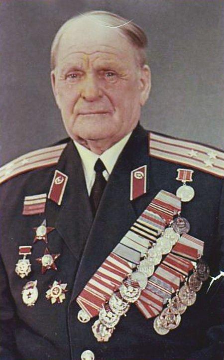 Командир и отец Великая Отечественная Война, Сергей Алешков, маленький солдат, молодой солдат, сын полка