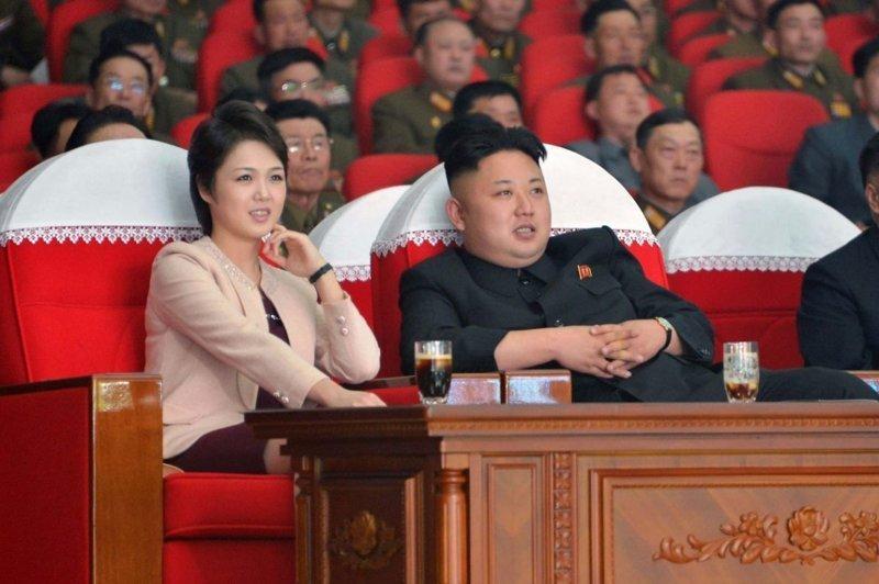 Ким Чен Ын не позволил фотографировать свою жену ynews, видео, интересное, ким чен ын, кндр, ревность, фото