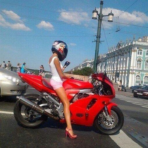 Самая известная фотография байкерша, байкерши, байкеры, мото, мотопост, мотоциклы, оголились слегка