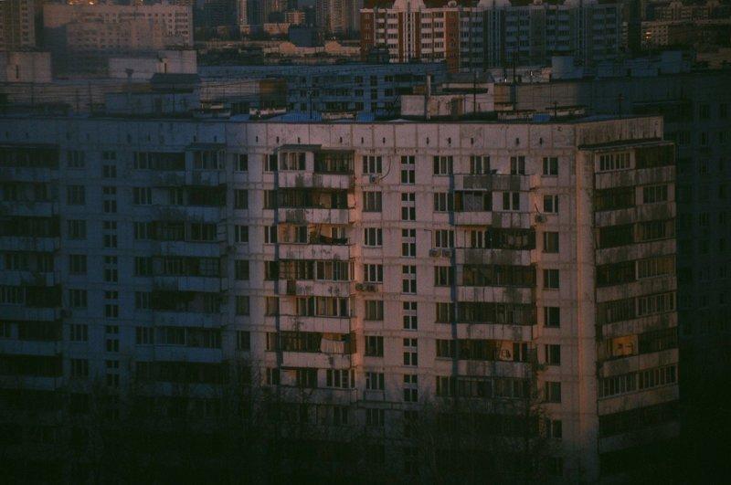 1. Согласитесь, есть своя романтика в спальных районах города? во дворе, дворы, на районе, панельки, спальная россия, спальные районы