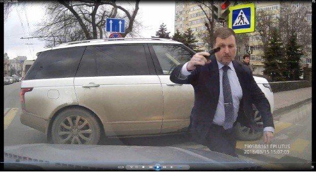 Правоохранительные органы Ростова не выявили состава преступления в действиях депутата Игорь Амураль, Угрозы, депутат, непристойное поведение, порча имущества, слуга народа, хамство, хулиганство