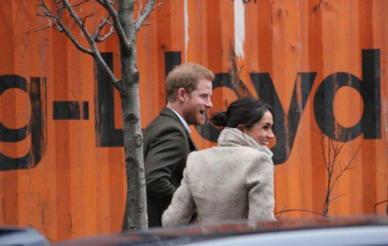 Принц Гарри решил, что простым людям не нужно есть ynews, великобритания, новости, принц гарри, свадьба, скандал