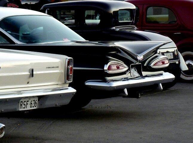 Это же знаменитый автомобиль-вампир! иллюзии, прикол, фотофакт, юмор