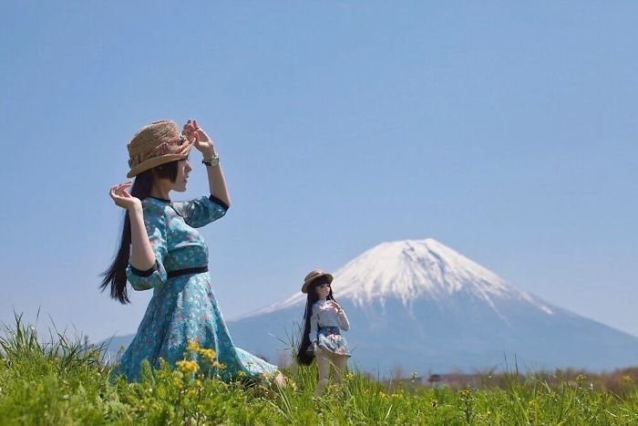 Японка фотографируется со своей кукольной копией  - и это очень красиво кукла, похожи, фотограф, фотопроект, шарнирная кукла, шарнирные куклы, япония