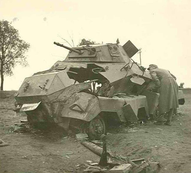 6. Подбитый Sd.Kfz. 231 (8-rad) боеприпасы, война, история, оружие, следы войны, танки, фото, эхо войны