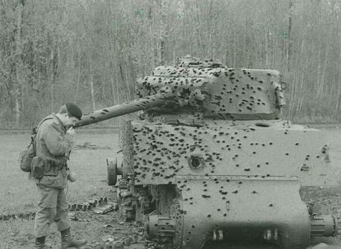 1. Техника, побывавшая на поле боя  боеприпасы, война, история, оружие, следы войны, танки, фото, эхо войны