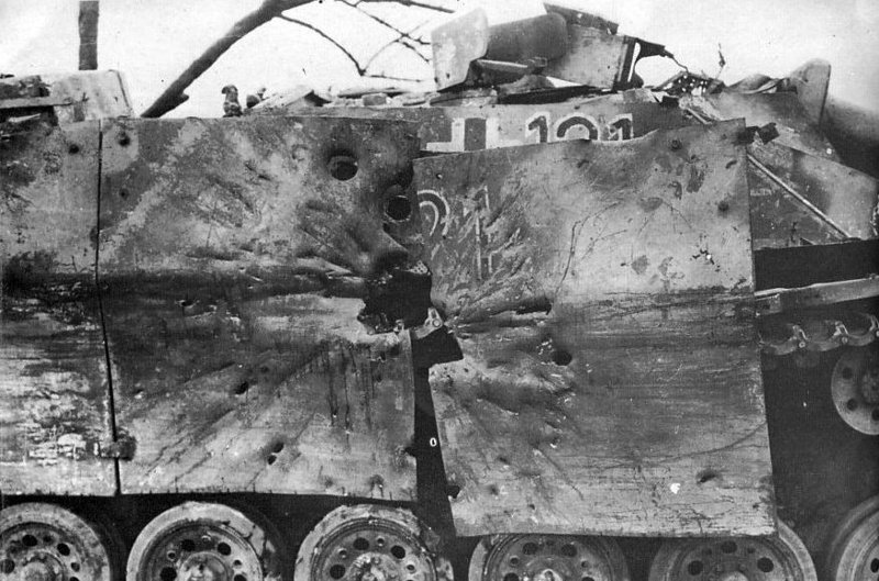 8. Последствия попадания ису 152 боеприпасы, война, история, оружие, следы войны, танки, фото, эхо войны