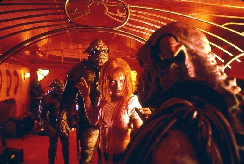 Милла Йовович и Клифтон Ллойд Брайан в «Пятом элементе» (1997) Люк Бессон, Фильмы-шедевры, кинематограф