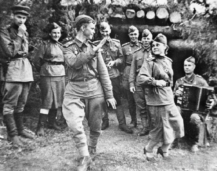 7. Считанные минуты отдыха Велика Отечественная война, история, фотографии