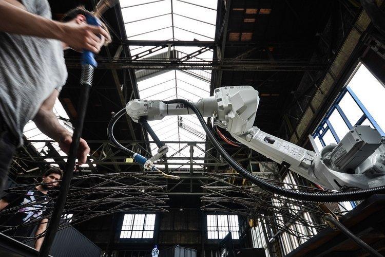 Роботы афёра, история, факты