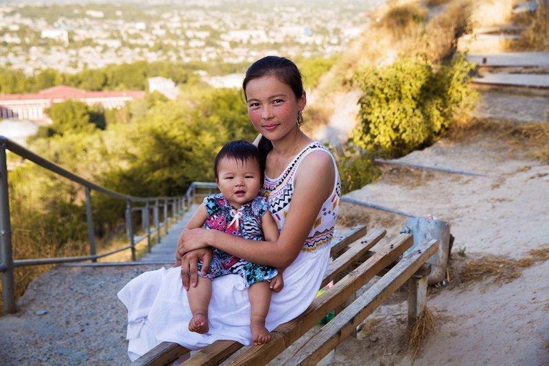 Ош, Киргизия  Михаэла Норок, в мире, дочь, красота, люди, маты, фотопроект