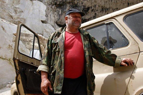 Житель Владикавказа построил в селе мини-ГЭС и бесплатно раздает электричество соседям ynews, Варзиев, мини-ГЭС, северная осетия, электричество