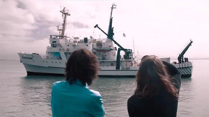 Нидерландец поставил перед собой задачу - очистить мировой океан от пластиковых отходов  Боян Слат, барьер, мир, мусор, океан, очистка, пластик, проект