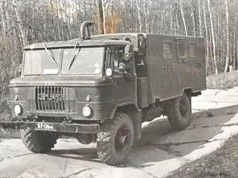 18. «66-ой», на который монтировались всевозможные надстройки, был незаменим на службе в Советской армии. СССР, авто, автомобили, олдтаймер, ретро авто, ретро техника, ретро фото, советские автомобили