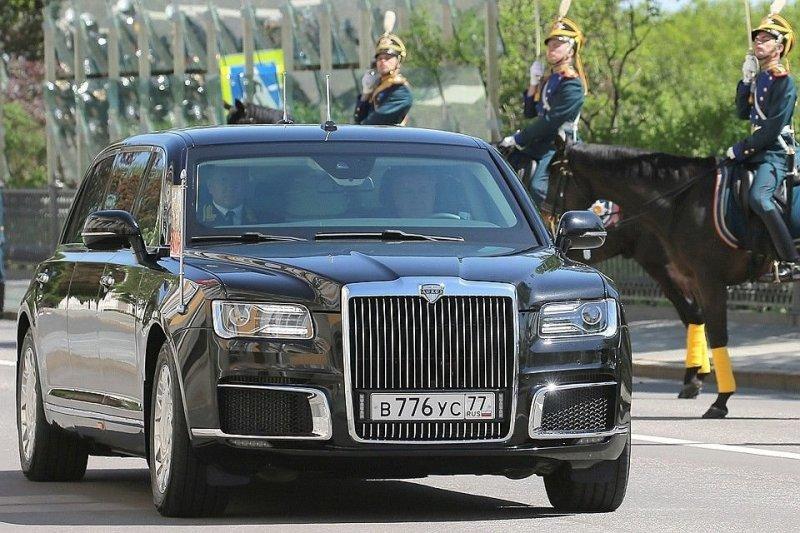 Новый российский лимузин для президента. Долгожданная премьера авто, автомобили, видео, гон, кортеж, лимузин, правительственный автомобиль, президент