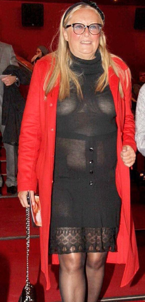 5. Татьяну Михалкову - 71-летнюю супругу знаменитого режиссера - тоже не стоит списывать со счетов звезды, откровенные наряды, пожилые, старушки шоубиза, фото