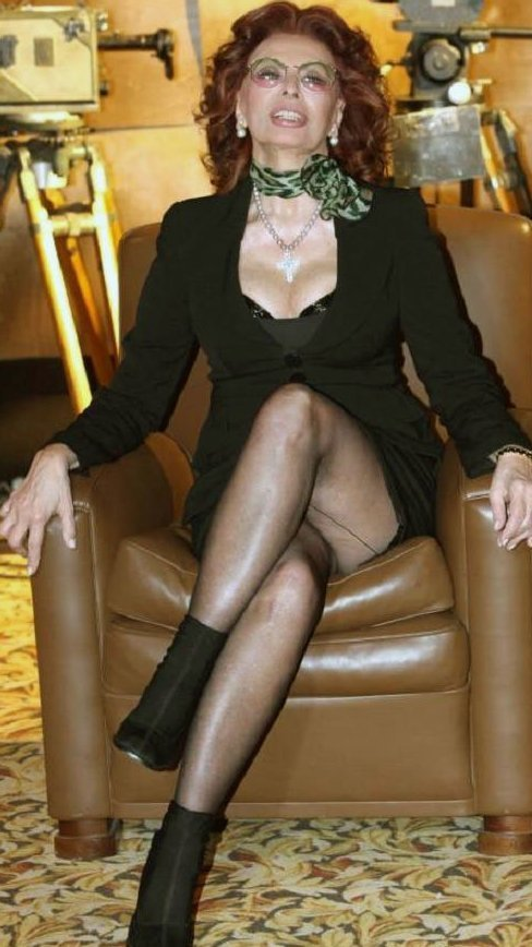 4. Софи Лорен точно не из скромных звезды, откровенные наряды, пожилые, старушки шоубиза, фото