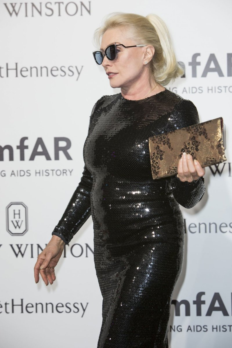 9. Дебби Харри - скандальная 72-летняя блондинка - тоже любит отличиться не только на сцене, но и в обычной жизни звезды, откровенные наряды, пожилые, старушки шоубиза, фото