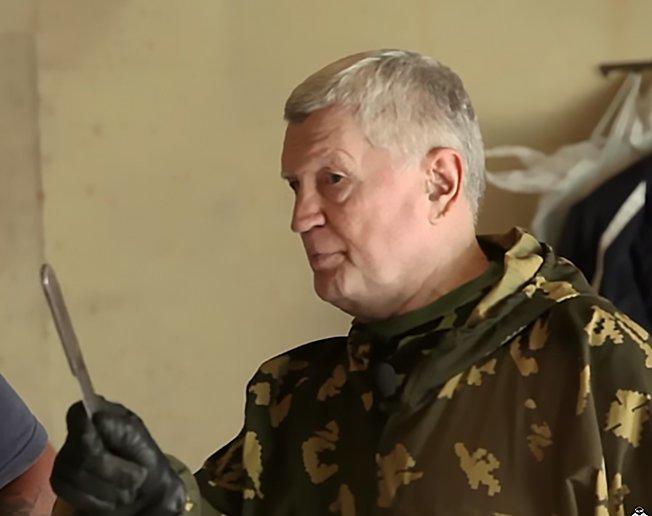 Тадеуш Касьянов: «Наша армия должна быть подготовлена как одно большое спецподразделение» Касьянов, армия россии, интервью, карате, каскадер, метатель ножей, ножевой бой, рукопашный бой