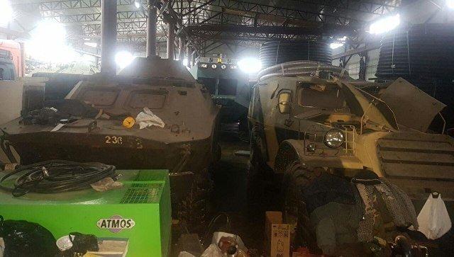 У адвоката из Самары обнаружили четыре БТР и партию оружия: видео ynews, Стройкерамика, адвокат, ангар, бтр, оружие, самара