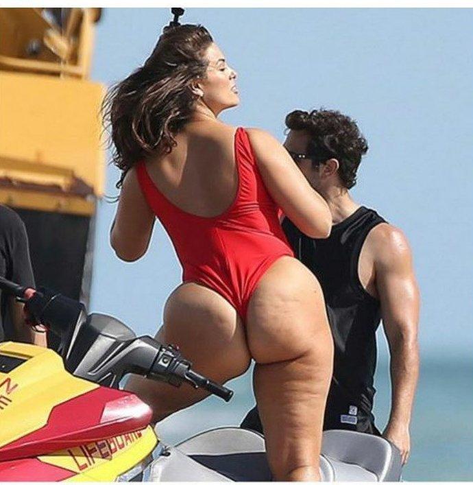13. Эшли Грэм бикини, бодипозитив, вес, женщина, купальник, особенность, тело, фото