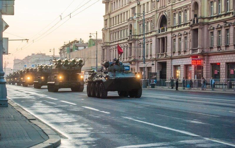 Парад Победы в Москве можно посмотреть за 5000 рублей ynews, красная площадь, москва, новости, парад победы, съем квартиры