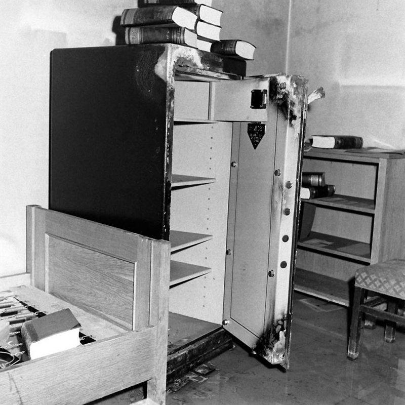 Неизвестные фотографии бункера Гитлера, сделанные в апреле 1945-го Великая Отечественная, победа, фото